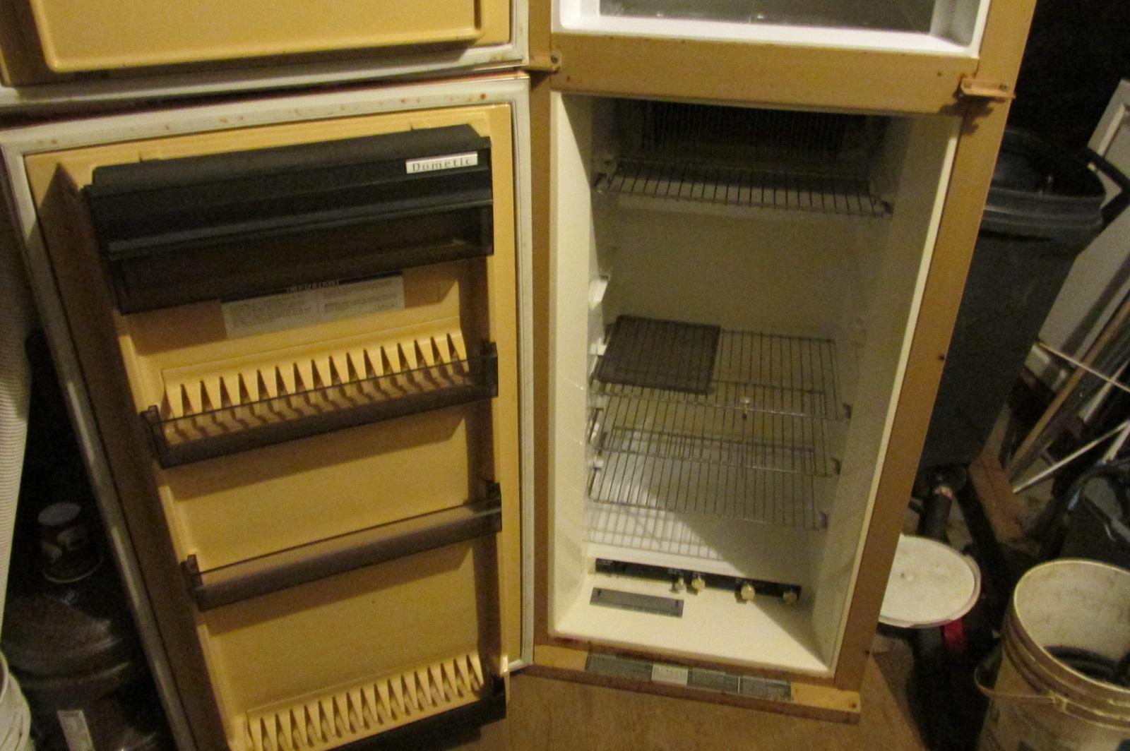 dometic gas and elc fridge for sale 57u201d h x 24u201d w x 25 u201dd dometic royal